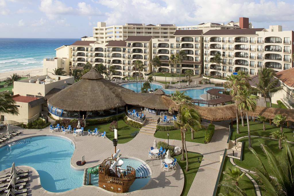 Emporio Hotel and Suites Cancun