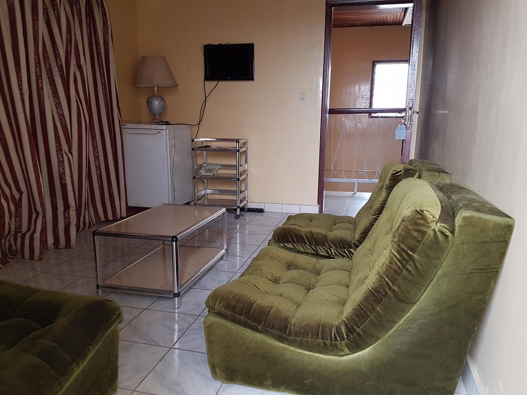 Hotel Palace Nkaegam