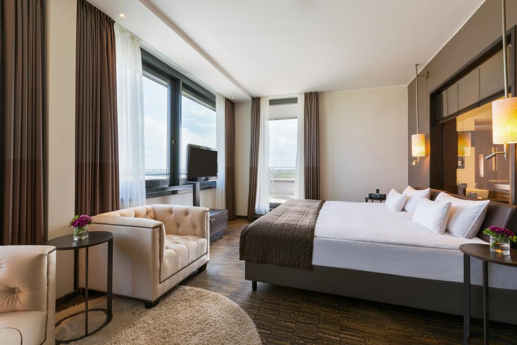 INFINITY Hotel and Conference Resort Munich