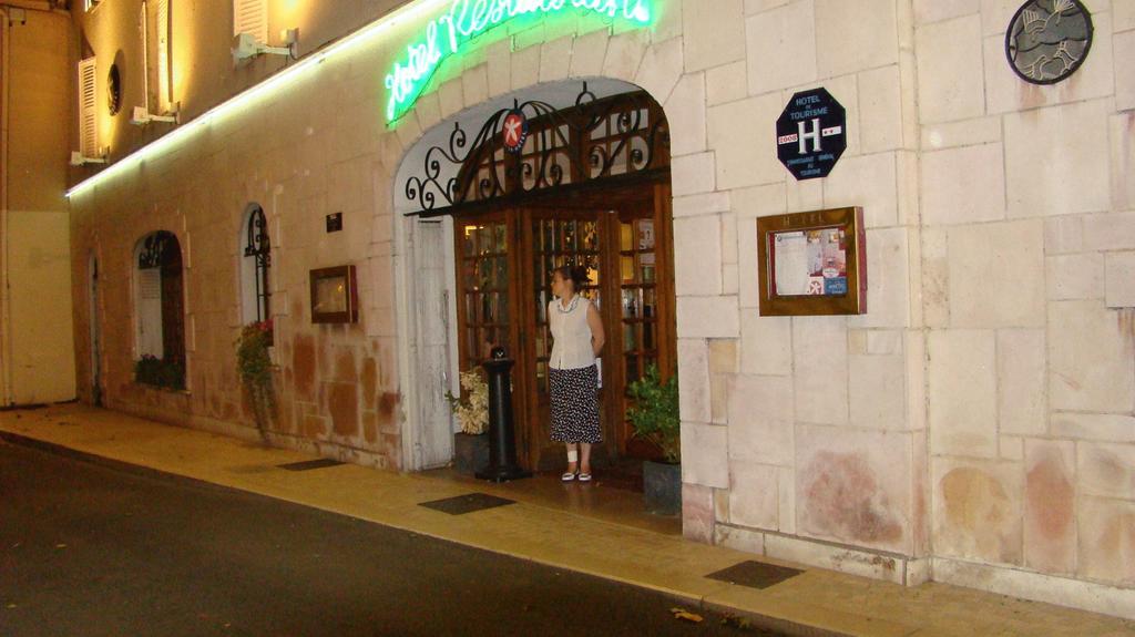 Inter-Hotel Hostellerie Des Trois Pigeons
