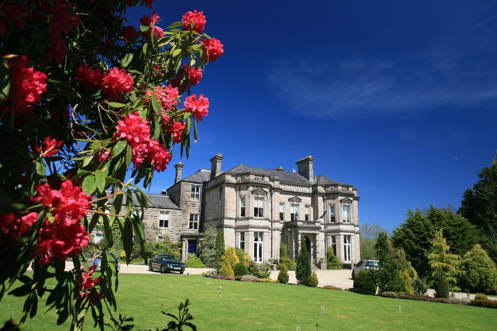 Tre-Ysgawen Hall - Country House Hotel and Spa