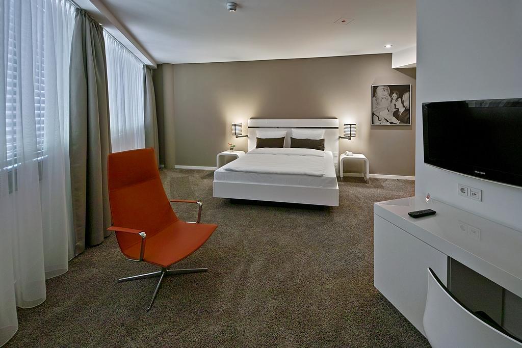Legere Hotel