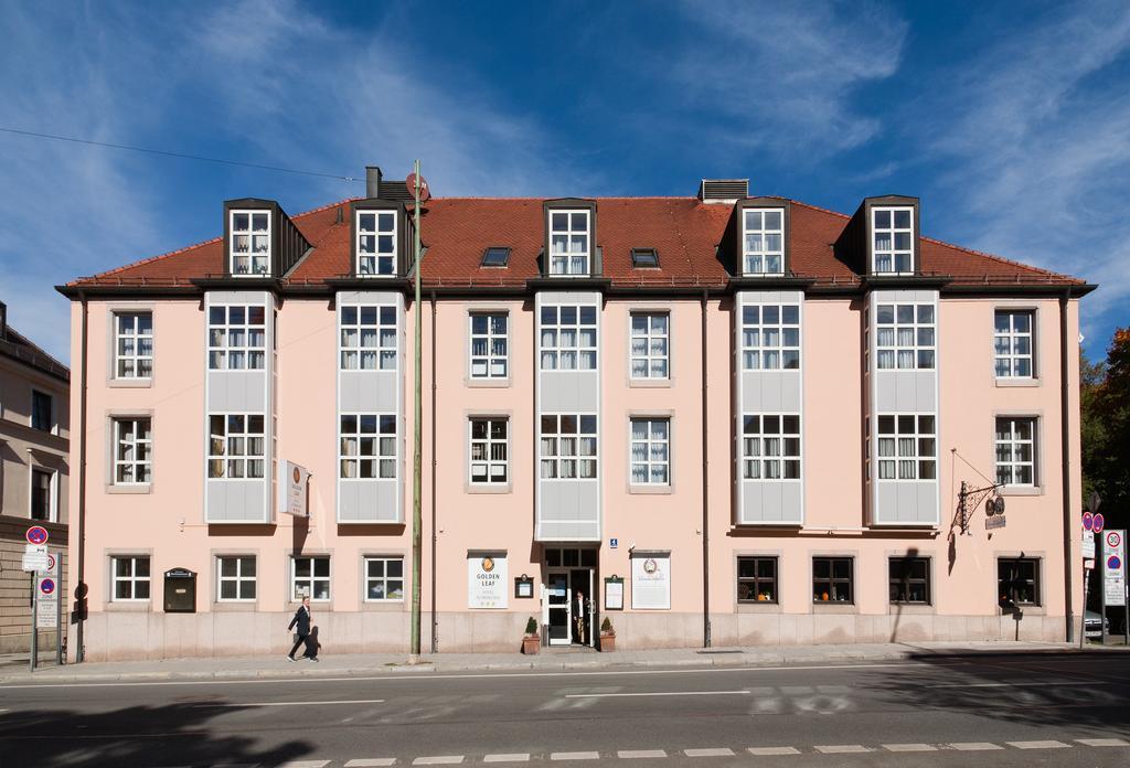 Golden Leaf Hotel Altmunchen
