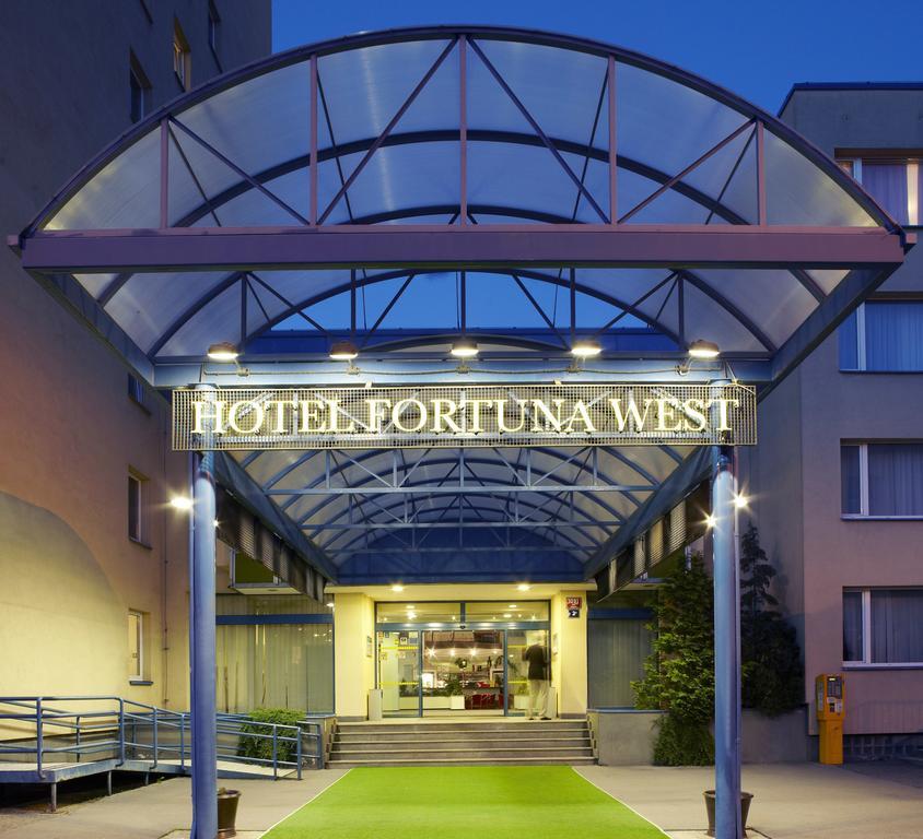 Fortuna West