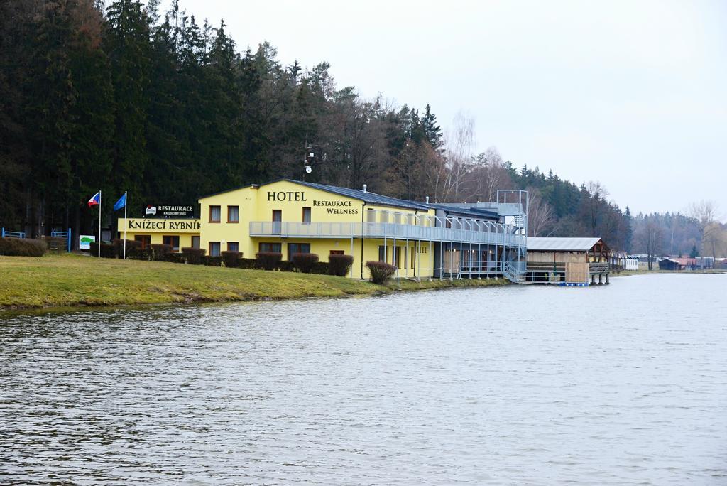 Hotelandwellness Knižecí rybník