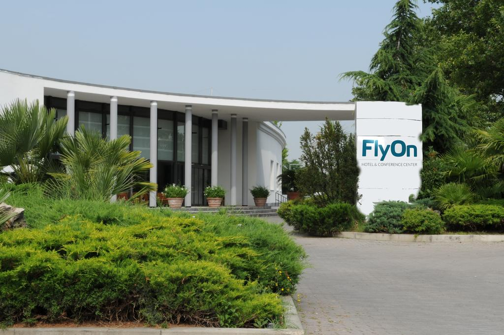 Flyon Hotel and Conference Center