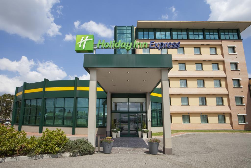 Holiday Inn Exp Bologna Fiera