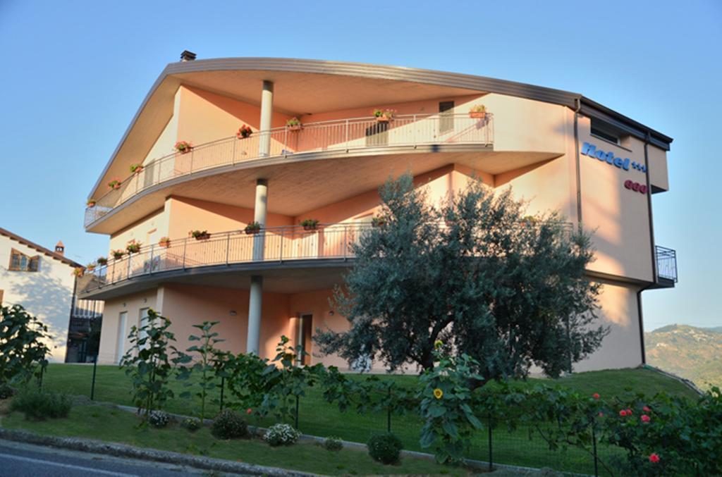 Hotel 660