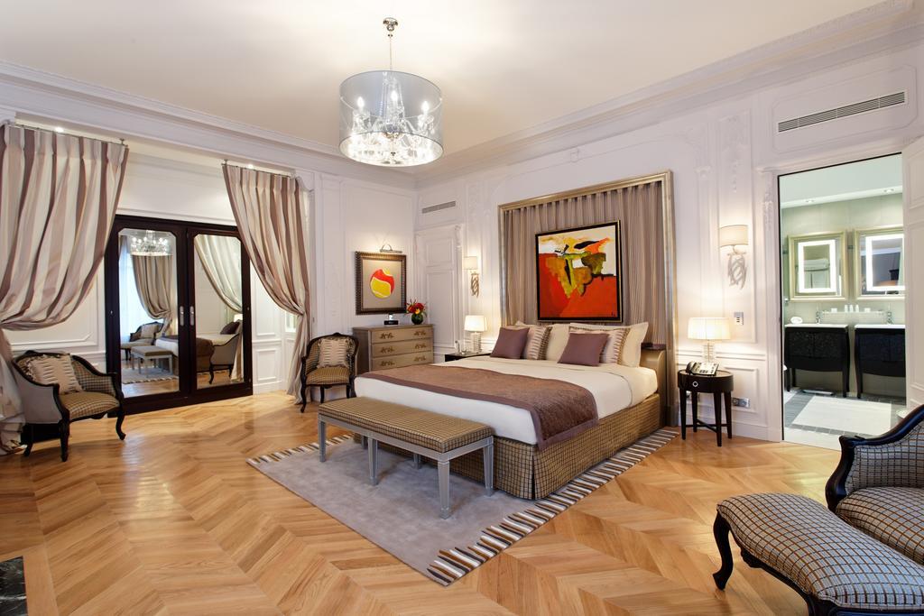 Majestic Hotel-Spa Paris Preferred LVX Collection
