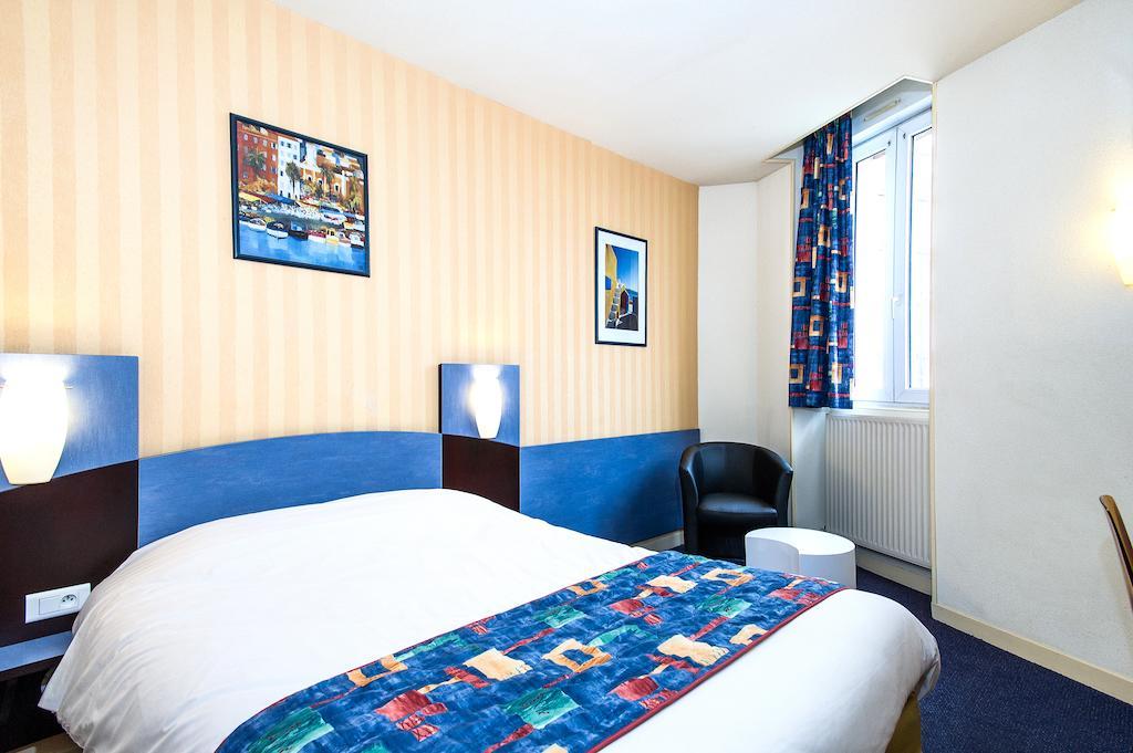 Ptit Dej-HOTEL Bourges Arcane
