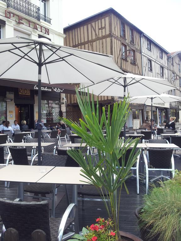 Hotel du Pot dEtain