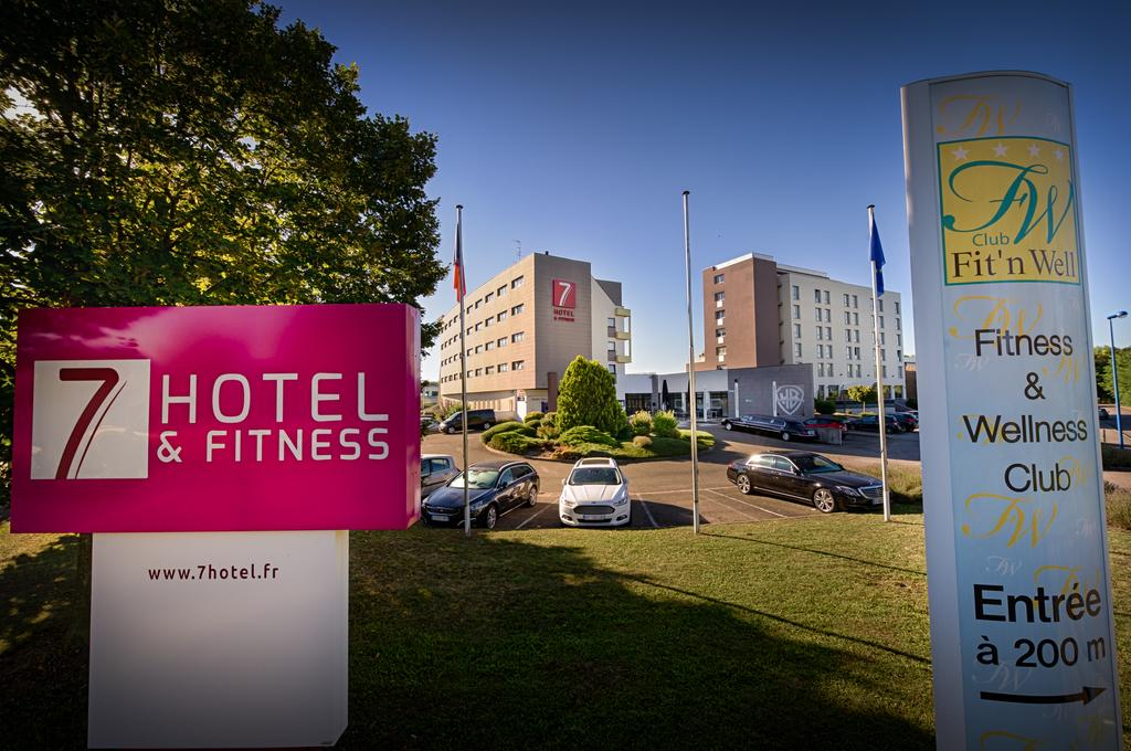 7 Hotel and Fitness