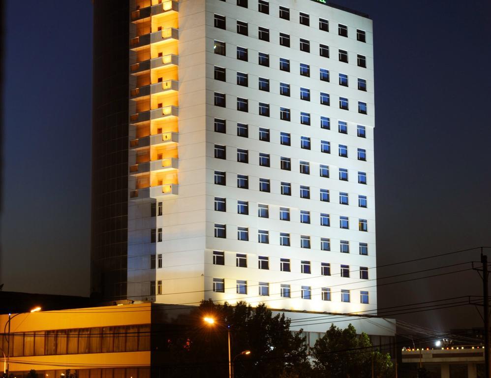 Xingtai Chenguang Hotel