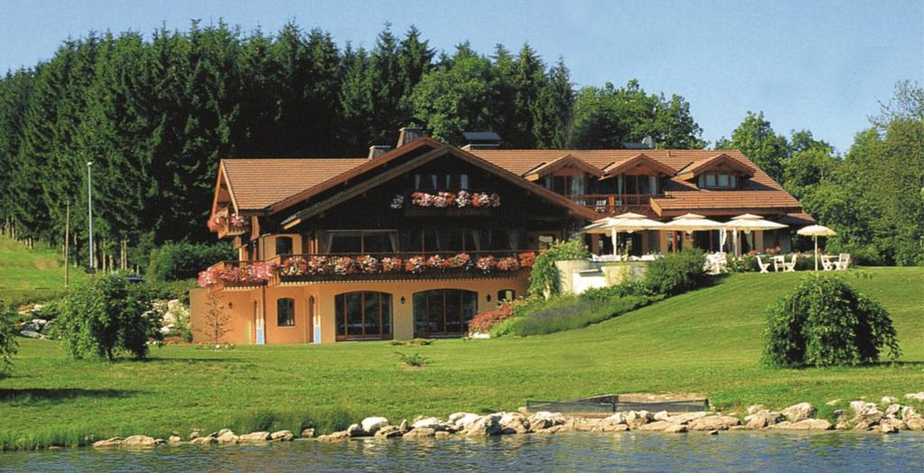 Lancolie Chalet Du Lac