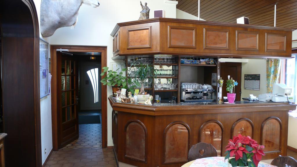 Hotel Restaurant A La Couronne DOr