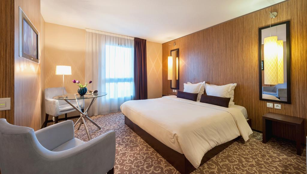Teneo Apparthotel Bordeaux-Begles