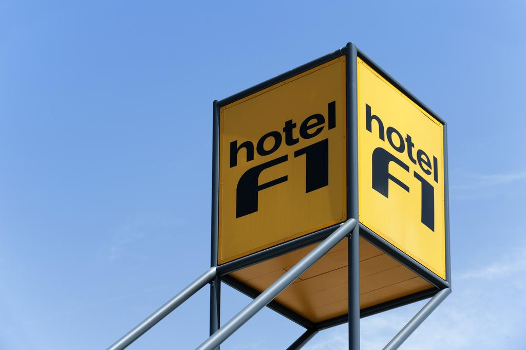 hotelF1 Versailles Maurepas
