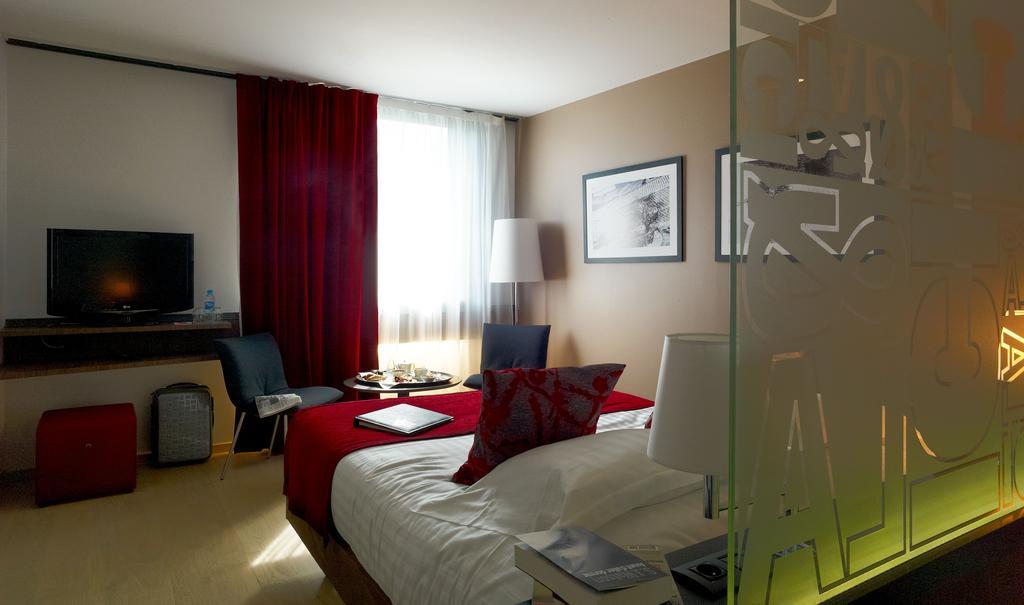 Hôtel Mercure Villefranche e Beaujolais Ici and La