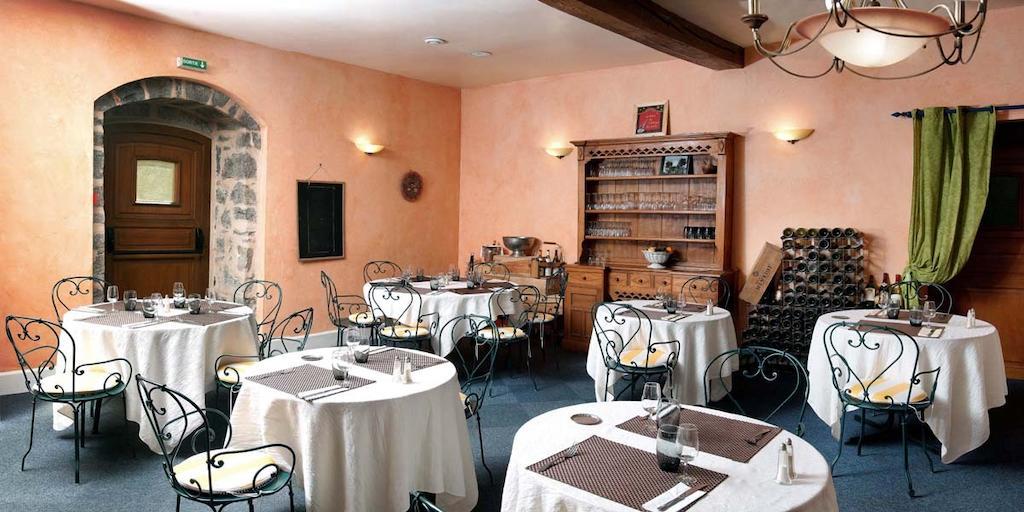 Logis de LEurope Restaurant Le Cepage