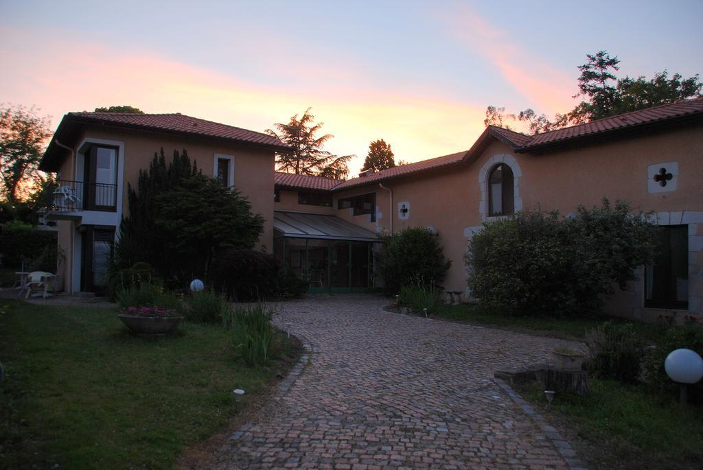 Hôtel Studios Les Acacias