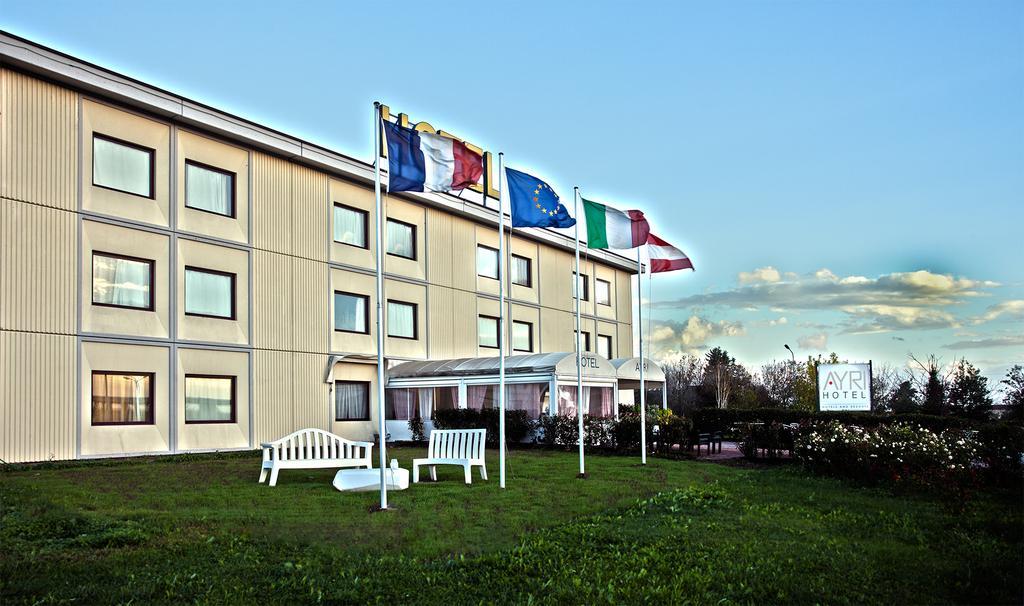 My One Hotel Ayri Medesano