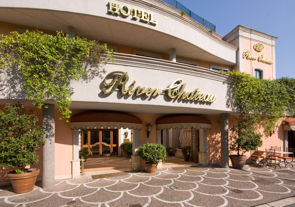 River Chateau Hotel