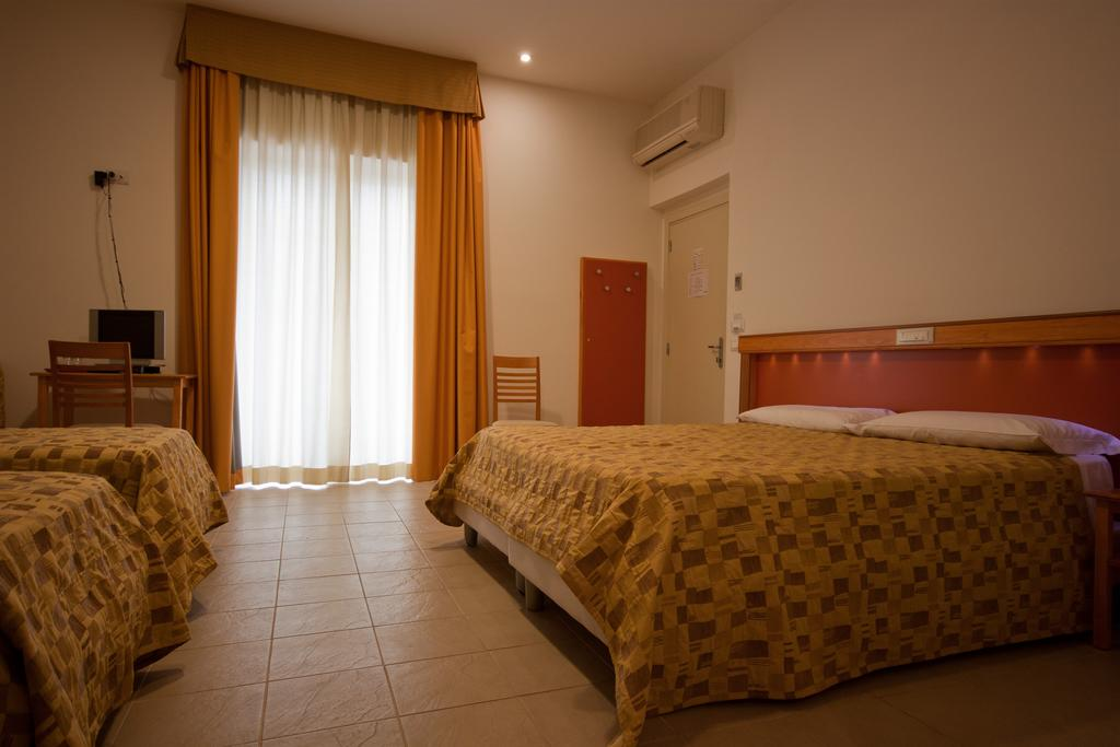 DandD Hotel
