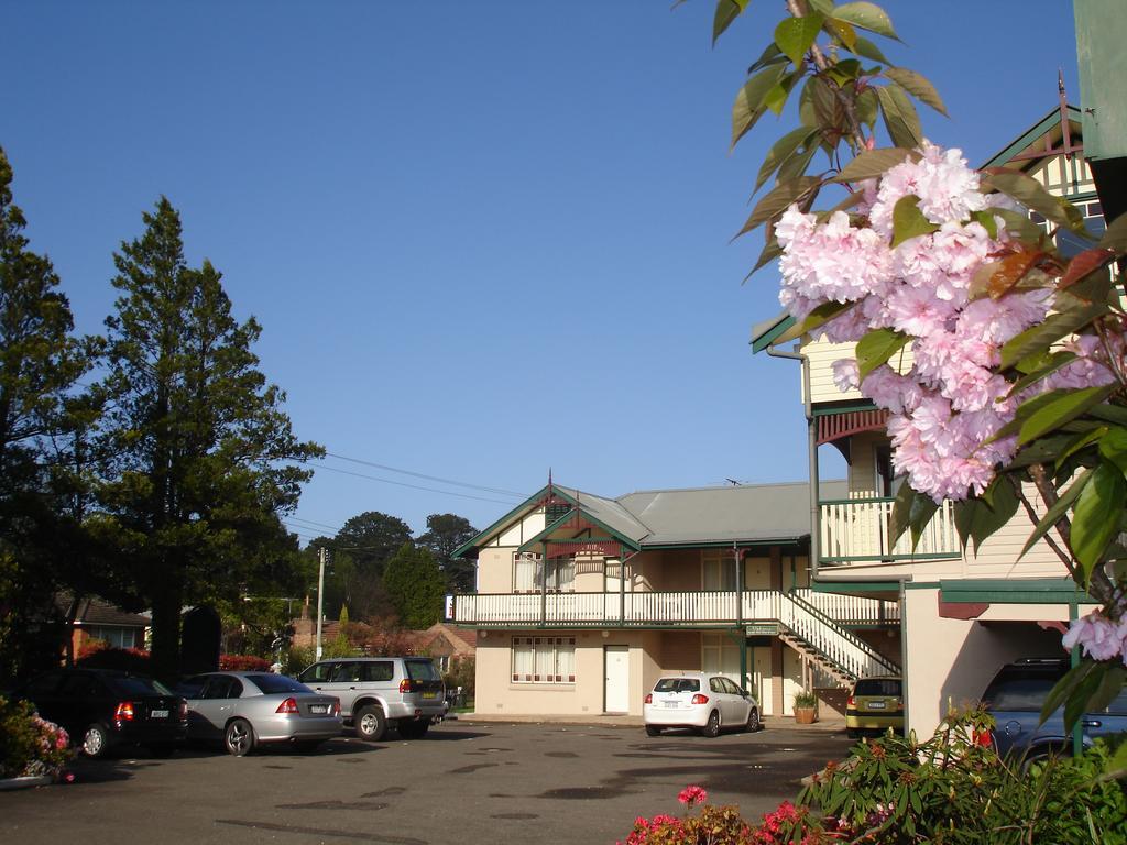 The 3 Explorers Motel
