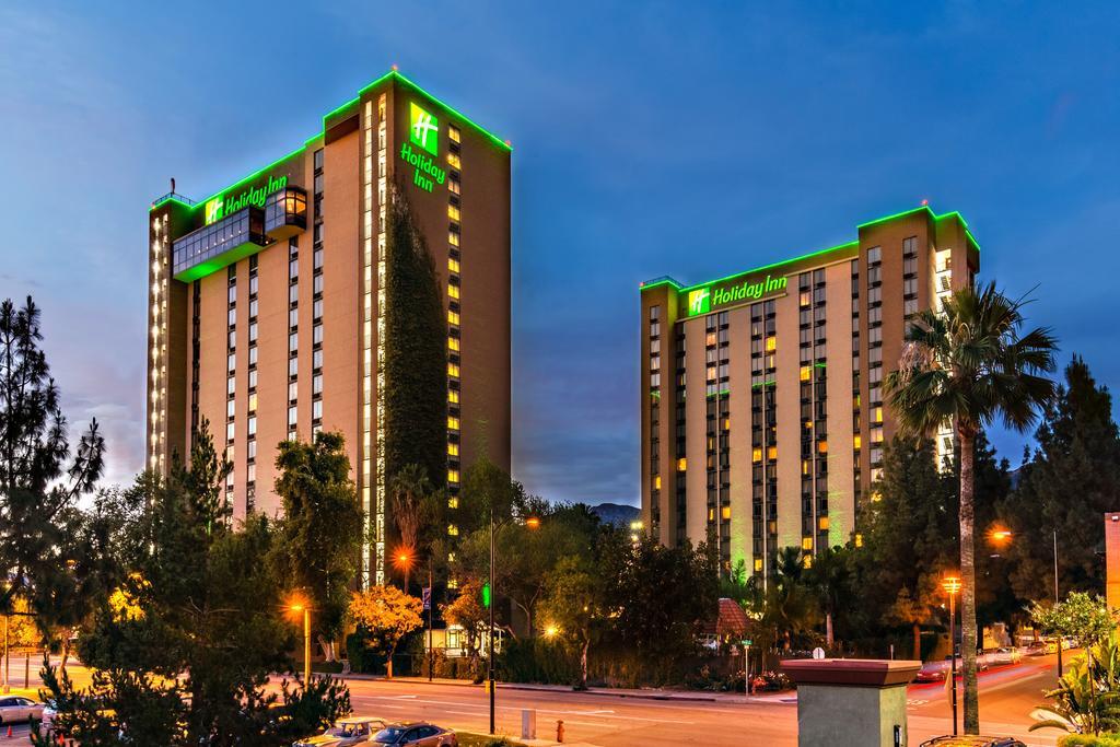 Holiday Inn Media Center