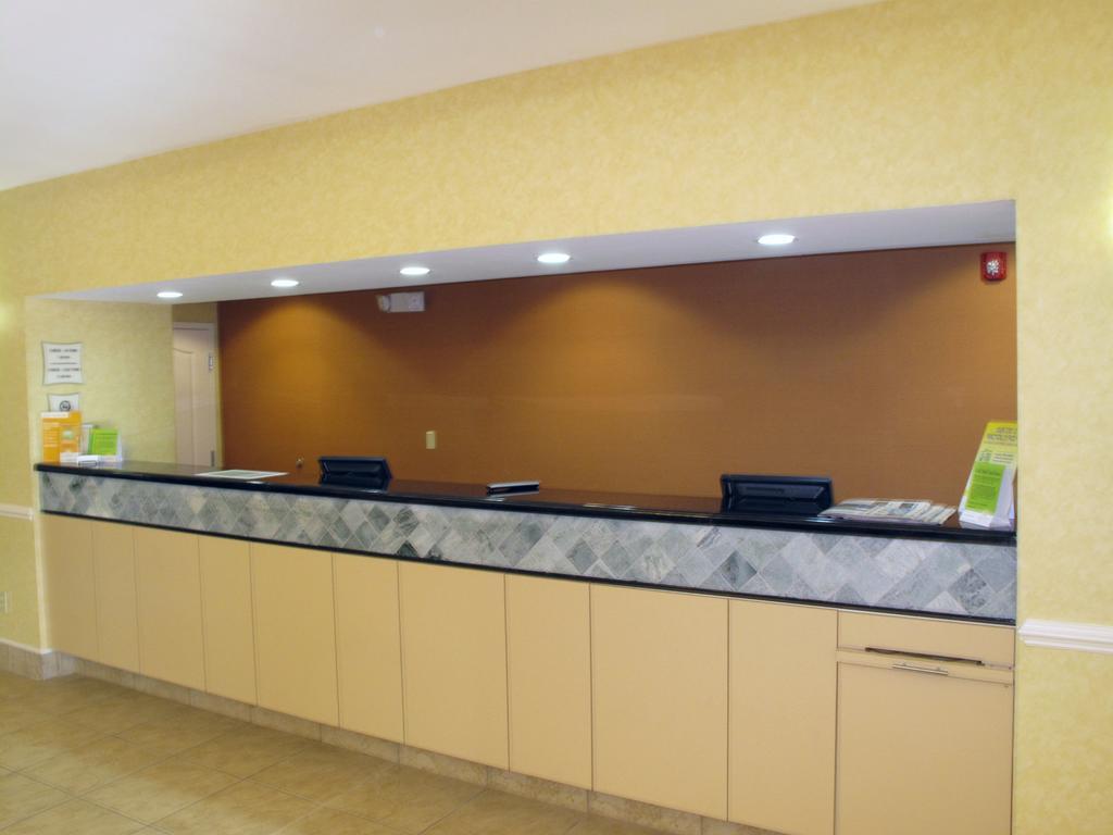 La Quinta Inn and Suites Fultondale