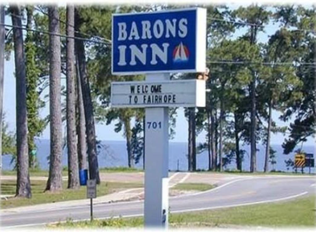 Barons By The Bay Inn-Fairhope
