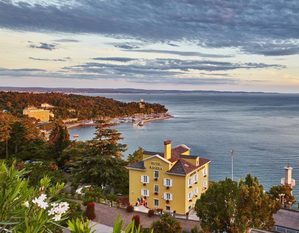 Hotel Riviera and Maximilian s