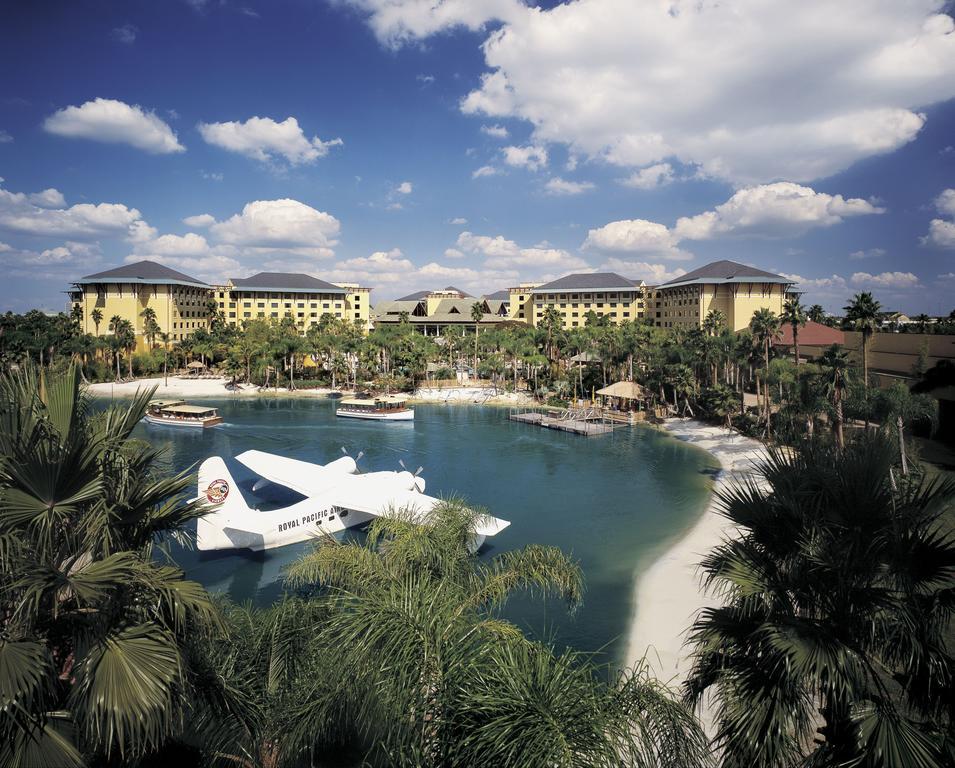 Universals Loews Royal Pacific Resort