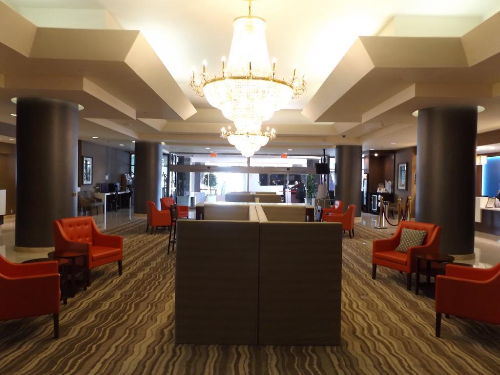 Crowne Plaza Harbor Hotel