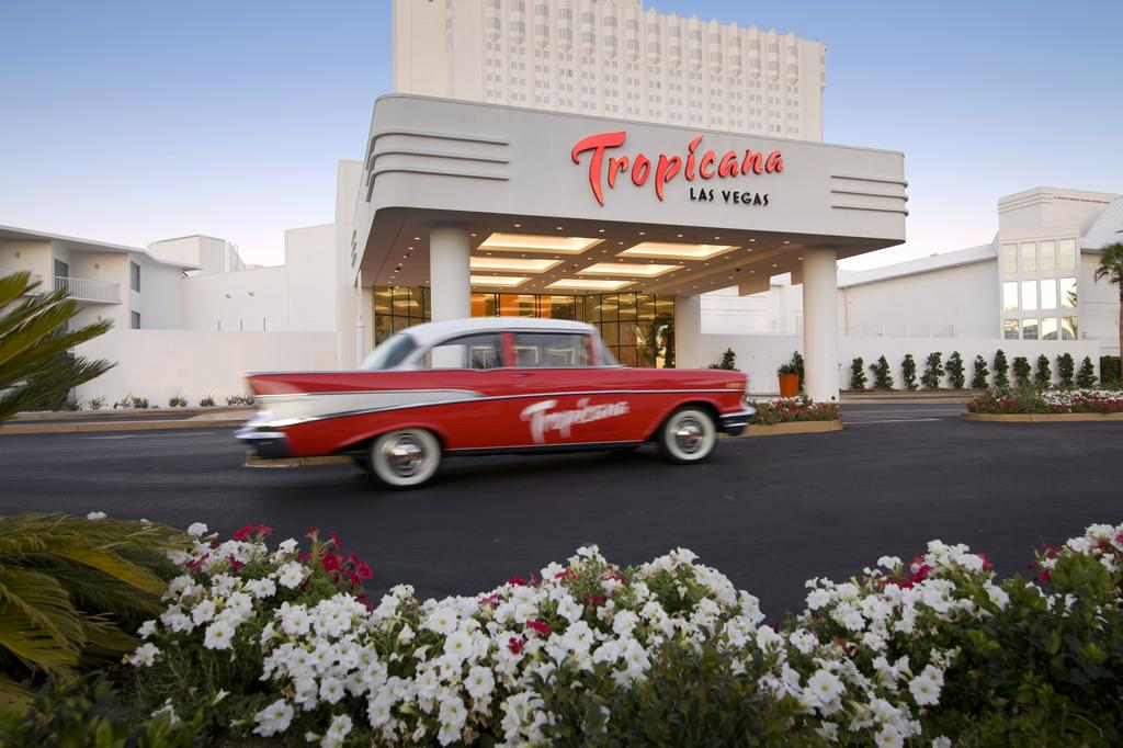 Tropicana Las Vegas a DoubleTree by Hilton Hotel