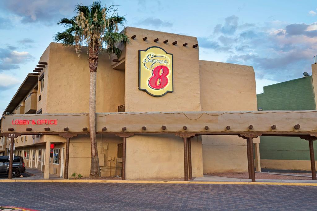 Super 8 Las Vegas