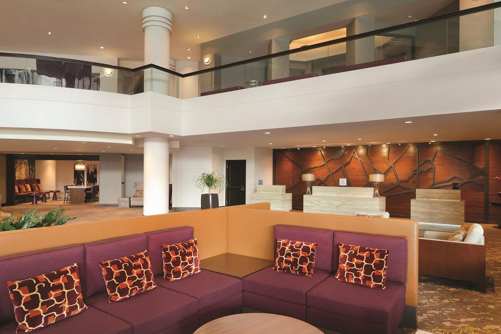 Hilton East Brunswick and Executive Meeting Center