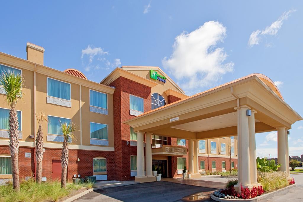Holiday Inn Exp Stes Foley