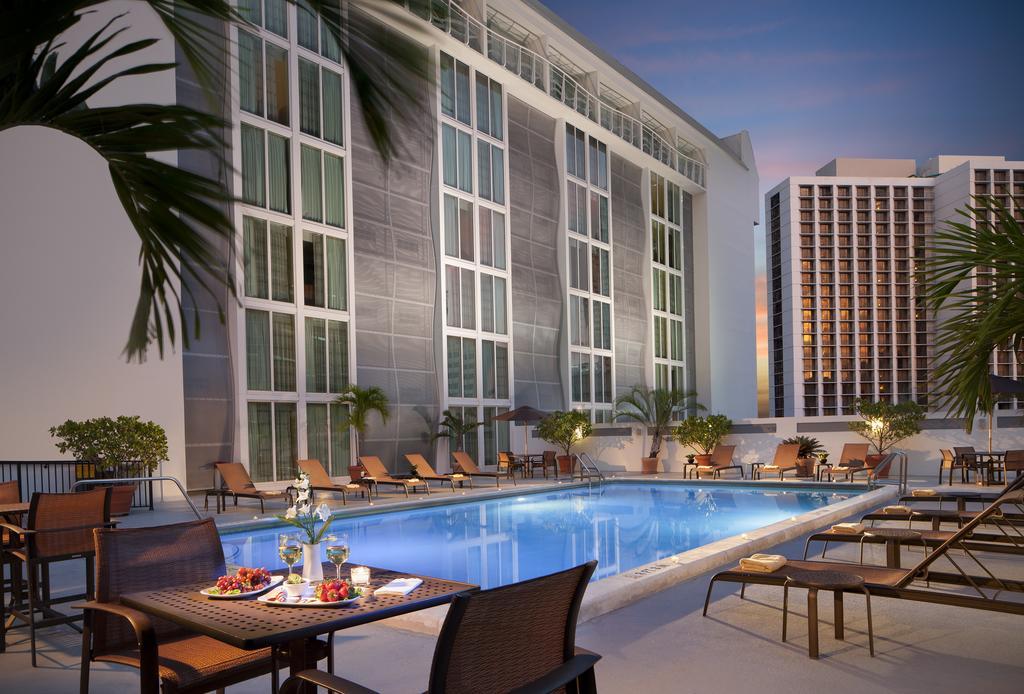Courtyard Miami DowntownBrickell Area