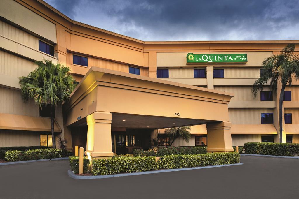 La Quinta Inn and Suites Miami Airport East