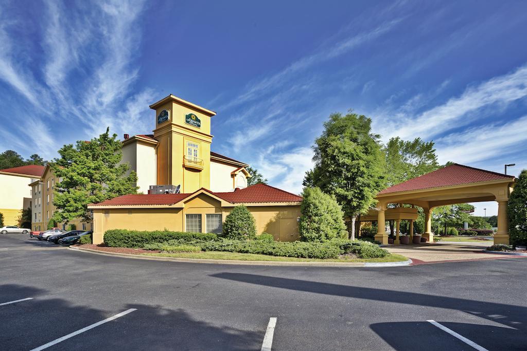 La Quinta Inn and Suites Birmingham Homewood