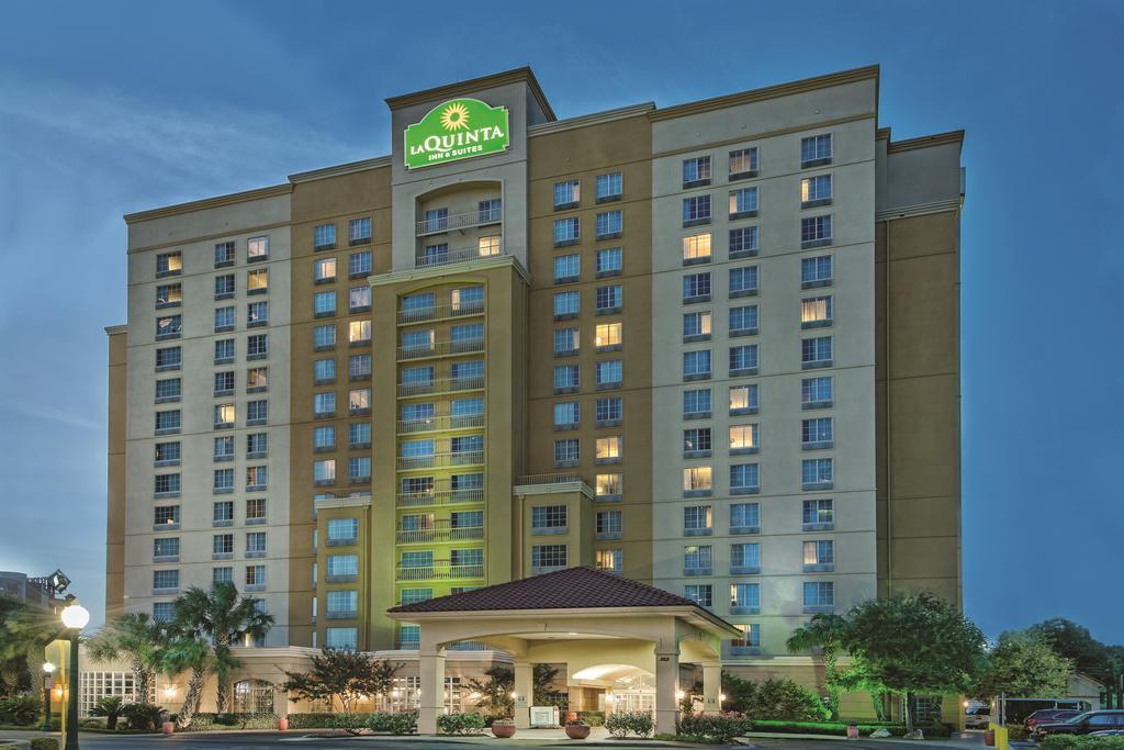 La Quinta Inn and Suites San Antonio Riverwalk