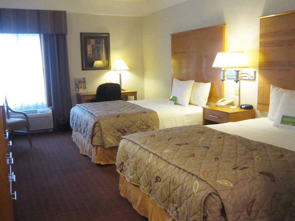 La Quinta Inn and Suites Norfolk Airport