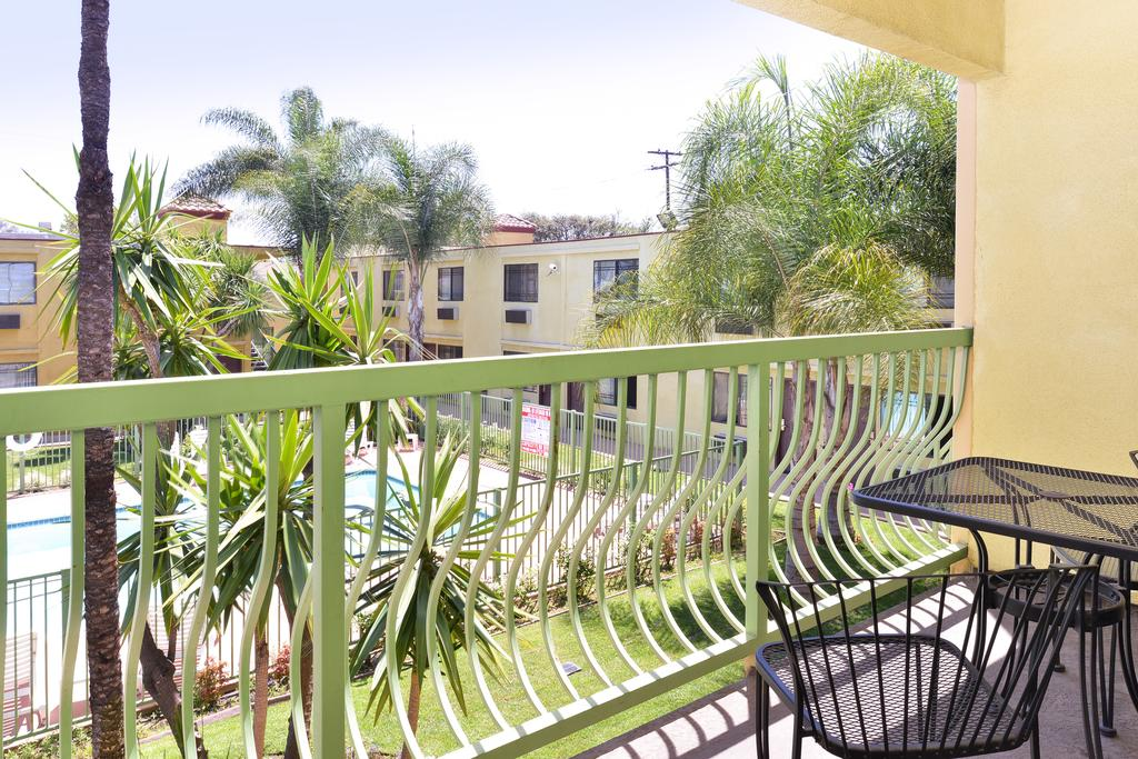 Comfort Inn and Suites Long Beach