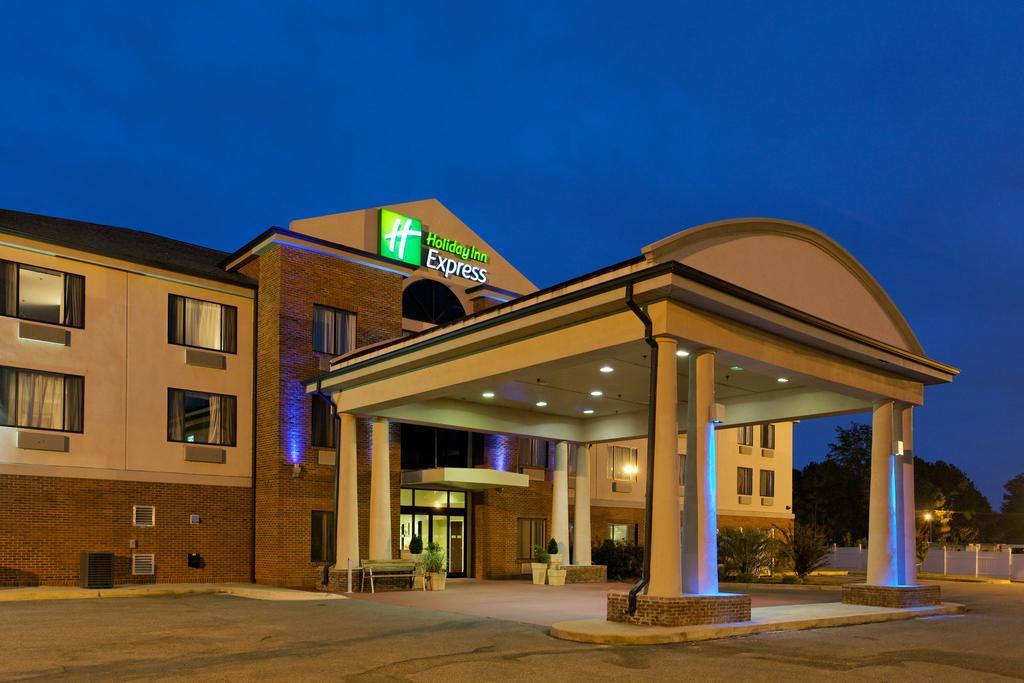 Holiday Inn Express Suites Sylacauga