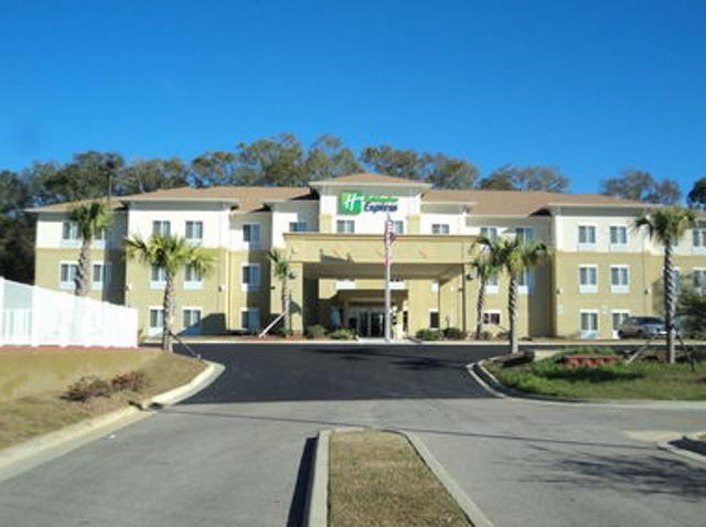 Holiday Inn Express and Suites Bonifay