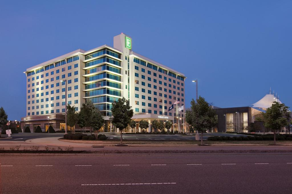 Embassy Suites Hampton Roads - Hotel - Spa and Convention Center