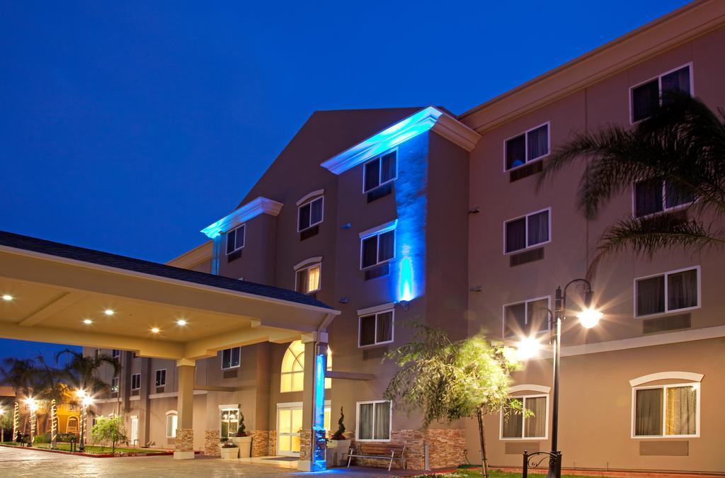 Holiday Inn Exp Stes Apt Hawth