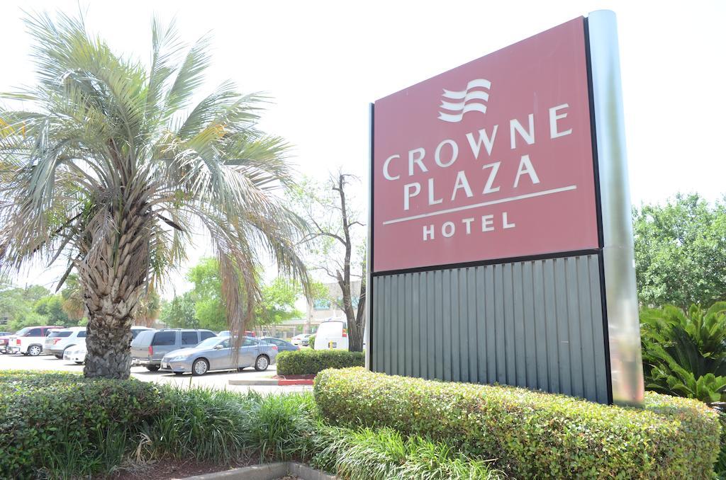 Crowne Plaza Brookhollow
