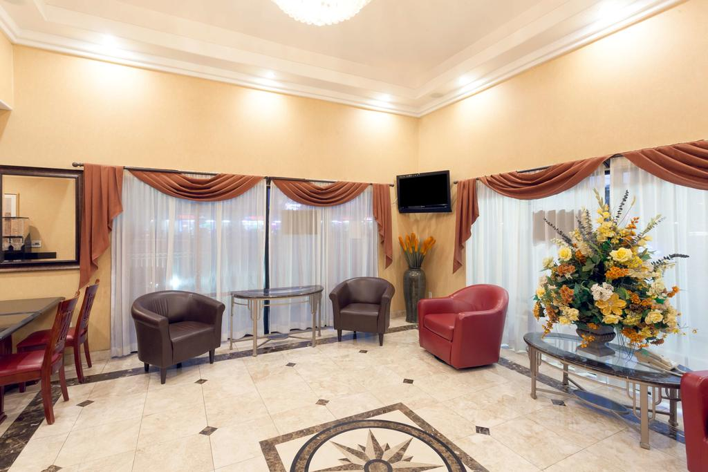 Howard Johnson Inn and Suites Pico Rivera